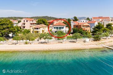 Brodarica, Šibenik, Objekt 4833 - Ubytování v blízkosti moře s oblázkovou pláží.