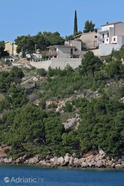 Nemira, Omiš, Property 4834 - Apartments near sea with pebble beach.