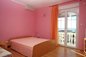 Apartments by the sea Brodarica (Šibenik) - 4835