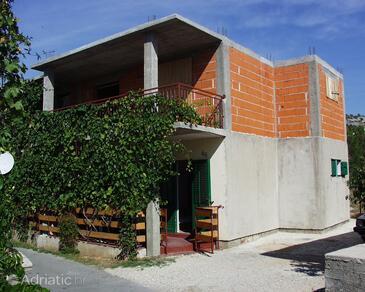 Žaborić, Šibenik, Property 485 - Apartments near sea with pebble beach.