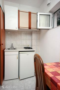Omiš, Kitchen in the studio-apartment, WIFI.