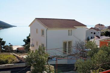 Bušinci, Čiovo, Obiekt 4863 - Apartamenty przy morzu ze żwirową plażą.