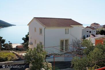 Bušinci, Čiovo, Objekt 4863 - Apartmaji v bližini morja s prodnato plažo.