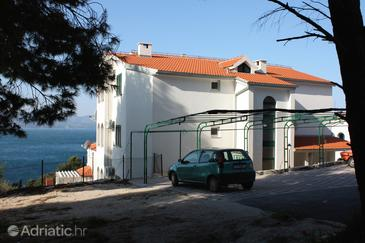 Balića Rat, Omiš, Property 4868 - Apartments near sea with pebble beach.