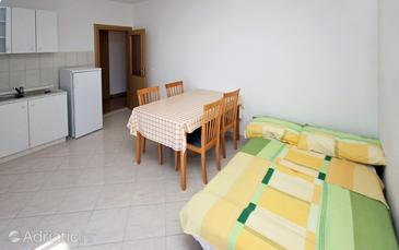 Seget Vranjica, Dining room in the apartment, WiFi.