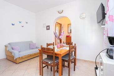 Slatine, Dnevna soba v nastanitvi vrste apartment, Hišni ljubljenčki dovoljeni in WiFi.