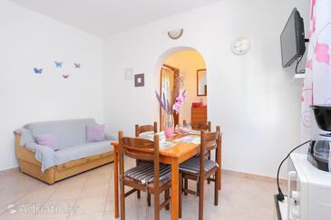 Slatine, Гостиная в размещении типа apartment, Домашние животные допускаются и WiFi.