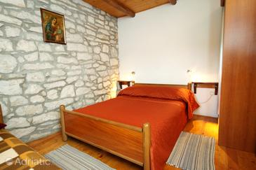 Bedroom    - K-4876