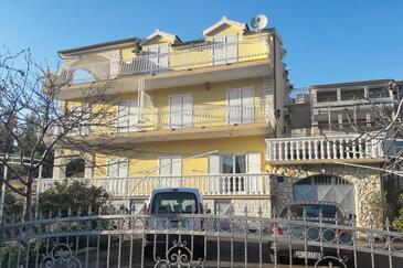 Grebaštica, Šibenik, Объект 4882 - Апартаменты с галечным пляжем.