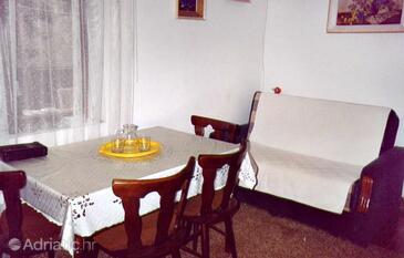 Seget Vranjica, Blagovaonica u smještaju tipa apartment, WiFi.