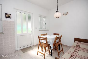 Polače, Dining room in the apartment.