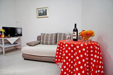 Okuklje, Obývacia izba v ubytovacej jednotke apartment, klimatizácia k dispozícii a WiFi.
