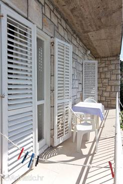 Pomena, Balcony in the room, with a sea view and WiFi.