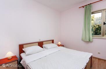 Pomena, Bedroom in the room.