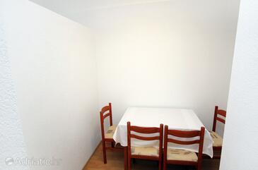 Polače, Dining room in the apartment, dopusteni kucni ljubimci i WIFI.