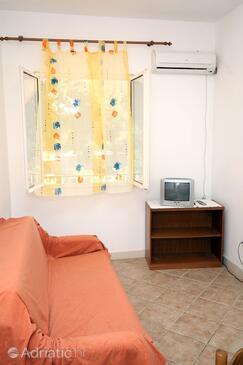 Saplunara, Living room in the apartment, dostupna klima.