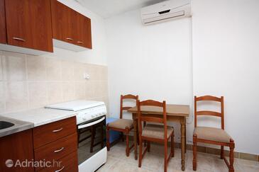 Sobra, Jídelna v ubytování typu apartment, WiFi.