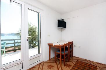 Babine Kuće, Dining room in the studio-apartment, dopusteni kucni ljubimci i WIFI.