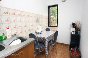 Prožurska Luka, Dining room in the apartment.