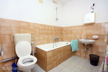 Bathroom    - K-4946