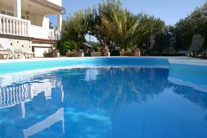 Seaside apartments with a swimming pool Barbat, Rab - 4951