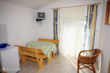 Mundanije, Jídelna v ubytování typu apartment, s klimatizací a WiFi.