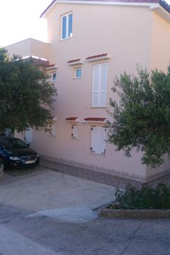 Banjol, Rab, Property 4956 - Apartments with sandy beach.