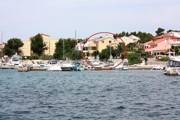Barbat, Rab, Obiekt 4967 - Apartamenty przy morzu ze żwirową plażą.