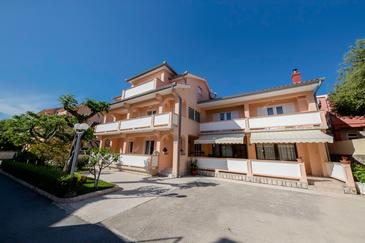 Palit, Rab, Property 4970 - Apartments and Rooms in Croatia.