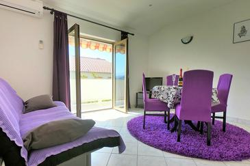 Palit, Pokój dzienny w zakwaterowaniu typu apartment, Dostępna klimatyzacja i WiFi.