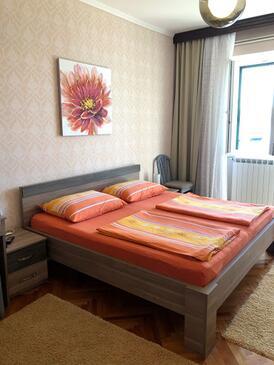 Barbat, Bedroom in the room, dostupna klima.