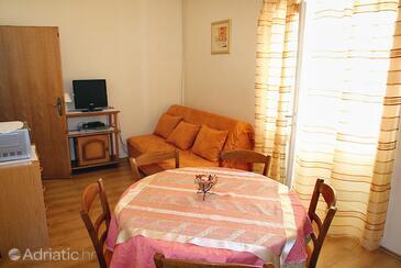 Barbat, Столовая в размещении типа apartment, WiFi.
