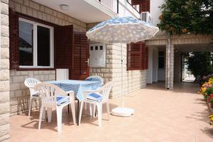 Apartments with a parking space Kampor, Rab - 4984