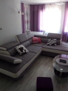 Kampor, Living room in the apartment, dostupna klima i WIFI.