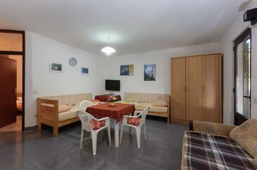 Supetarska Draga - Gonar, Гостиная в размещении типа apartment, доступный кондиционер и WiFi.