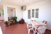 Seaside apartments with a swimming pool Banjol (Rab) - 5007