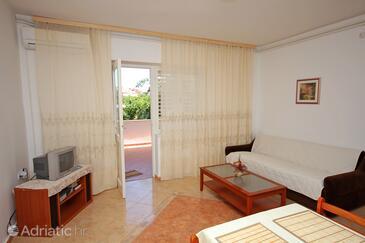 Banjol, Obývací pokoj v ubytování typu apartment, s klimatizací, domácí mazlíčci povoleni a WiFi.