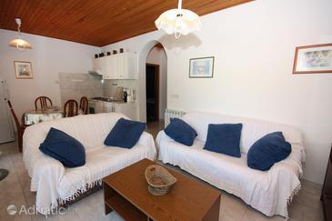 Supetarska Draga - Donja, Living room in the apartment.