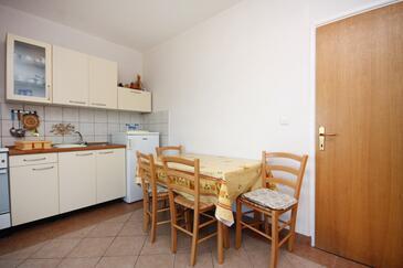 Supetarska Draga - Gonar, Jadalnia w zakwaterowaniu typu apartment, dostupna klima.