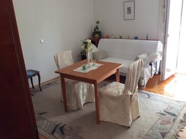 Banjol, Столовая в размещении типа apartment, доступный кондиционер и WiFi.