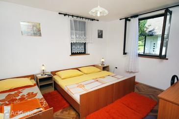 Poljanak, Bedroom in the room, dopusteni kucni ljubimci i WIFI.