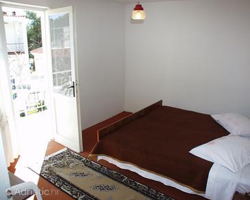 Drvenik Donja vala, Bedroom in the room, WIFI.