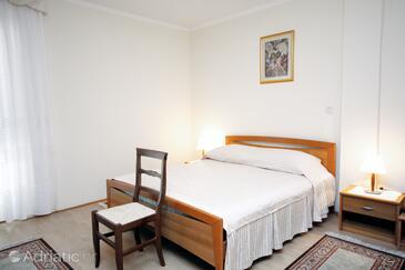 Supetarska Draga - Donja, Spavaća soba u smještaju tipa room, dostupna klima, kućni ljubimci dozvoljeni i WiFi.