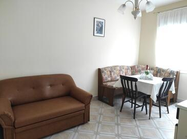 Supetarska Draga - Donja, Jídelna v ubytování typu apartment, WiFi.