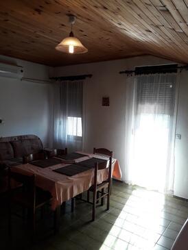 Suha Punta, Jídelna v ubytování typu apartment, s klimatizací, domácí mazlíčci povoleni a WiFi.