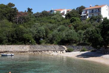 Suha Punta, Rab, Obiekt 5050 - Apartamenty przy morzu ze żwirową plażą.