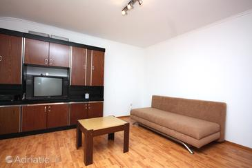 Supetarska Draga - Gornja, Living room in the apartment, (pet friendly) and WiFi.