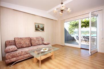 Supetarska Draga - Gornja, Living room in the apartment, (pet friendly) and WiFi.