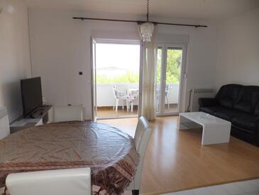 Supetarska Draga - Gornja, Living room in the apartment, WiFi.
