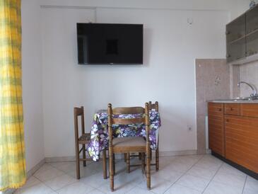 Supetarska Draga - Gornja, Jadalnia w zakwaterowaniu typu apartment, WiFi.